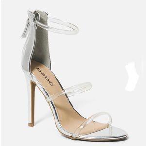 NIB bebe Berdine strappy heels silver clear Sz 5M